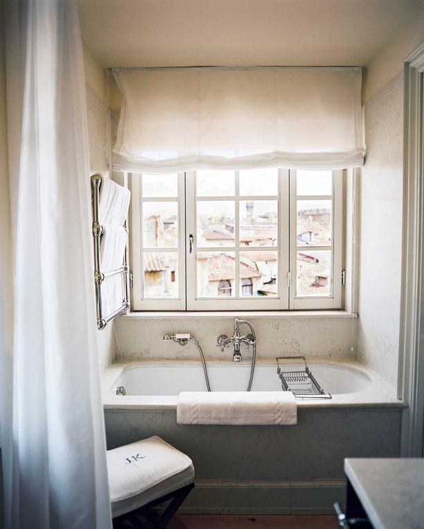 Lonny bathroom michele bonan