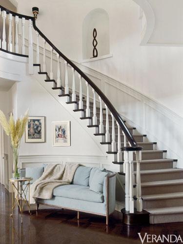 Ver-jlo-staircase-lgn