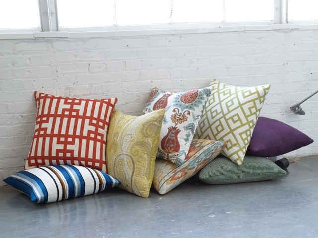 Kravet_Pillows_021