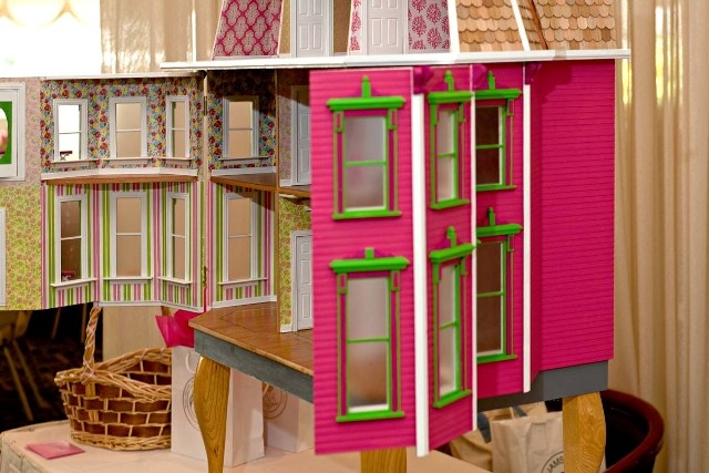 Lilly dollhouse