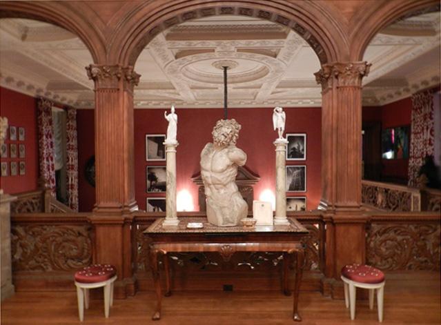 Maison de Luxe 245