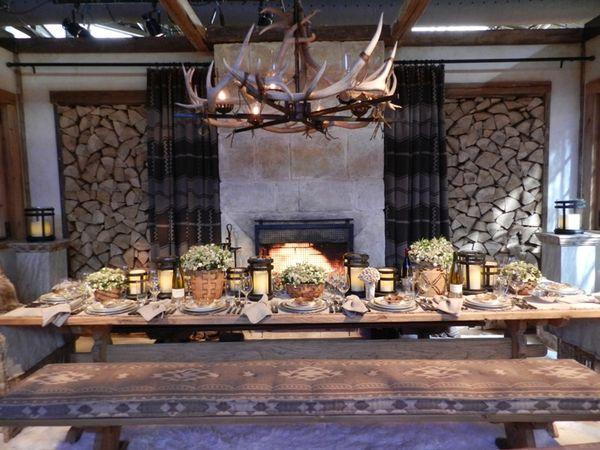 Small Dining Table Christmas Decor