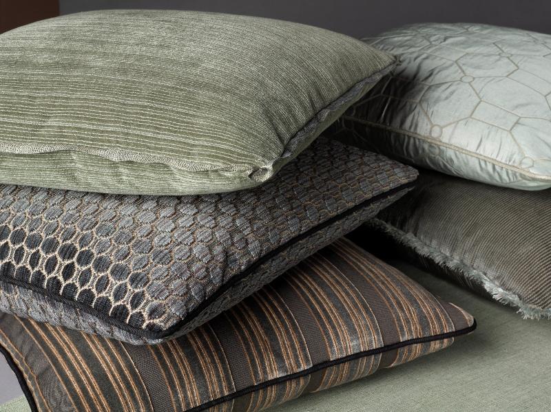 Thomas_OBrien_pillows_045